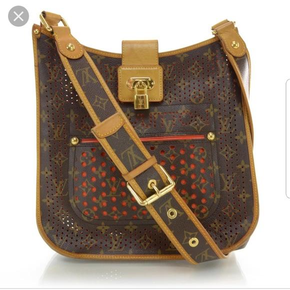 Louis Vuitton Handbags - Just showing my new bag